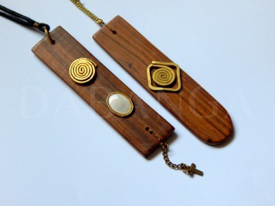 Sandalwood multi media pendants - Dabanga
